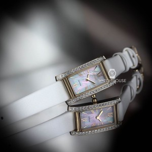 Citizen Elegant EX1478-17D Eco Drive Solar Perlmutt Damen Armbanduhr mit Strass